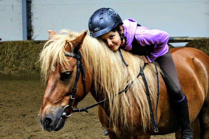Zimowy obóz konny dla dzieci